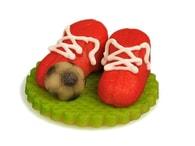 Frischmann Fotbalové kopačky červené s míčem - marcipánová figurka na dort